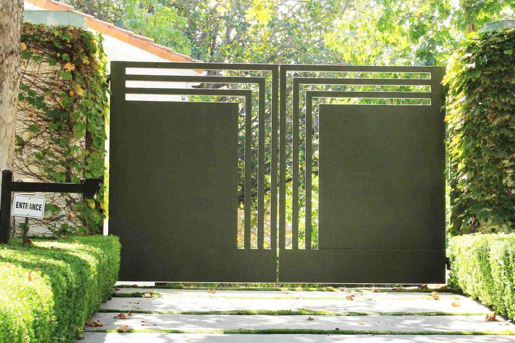 Geometric steel bifold gate